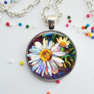 Jewelry - 🌼🌸Daisy necklace 🌼🌸